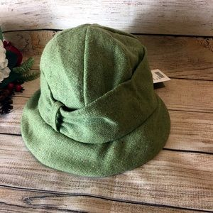 Anthropologie green hat NWT